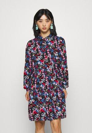 YASMALI DRESS - Shirt dress - sky captain