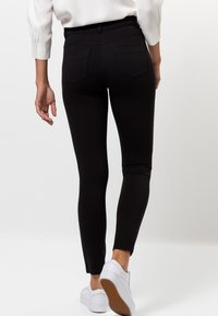 zero - CAJA - Trousers - black - 2