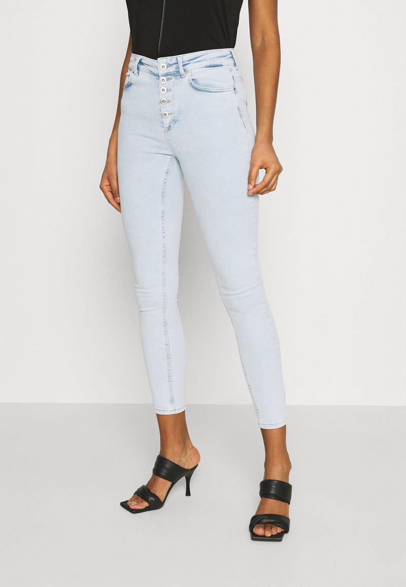 ONLY - ONLBLUSH LIFE - Skinny džíny - light blue denim