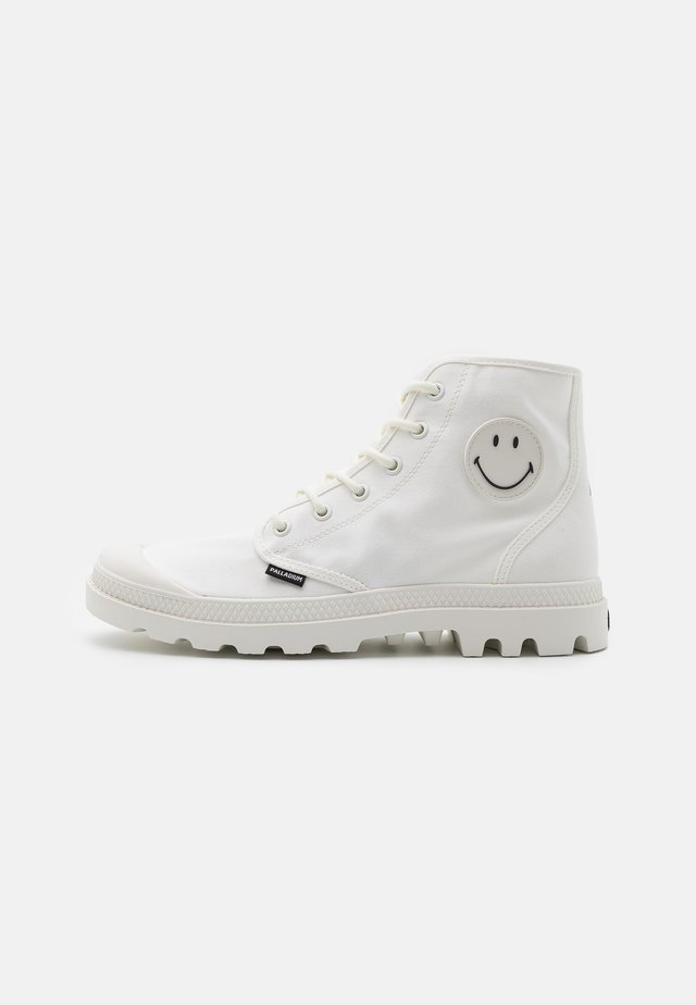 PAMPA HI BE KIND UNISEX - Veterboots - star white