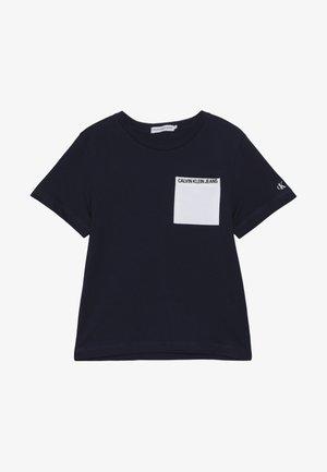 CONTRAST POCKET - Camiseta estampada - blue