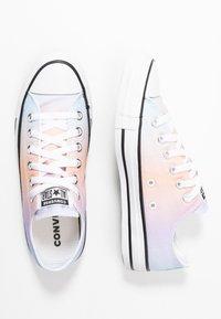 Converse - CHUCK TAYLOR ALL STAR - Trainers - white/multicolor/black - 3