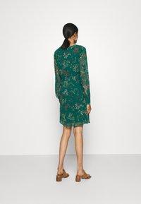 Vero Moda - VMJULIE SHORT DRESS - Kjole - atlantic deep - 2
