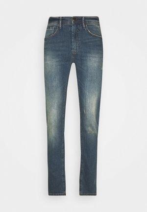 SCRATCHES - Slim fit jeans - denim vintage blue