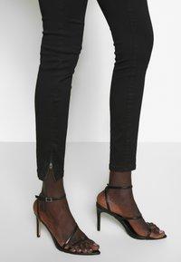 Vero Moda Tall - VMSOPHIA ANKLE ZIP - Jeans Skinny Fit - black - 5