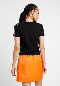 Puma - CLASSICS  - T-Shirt print - black - 2