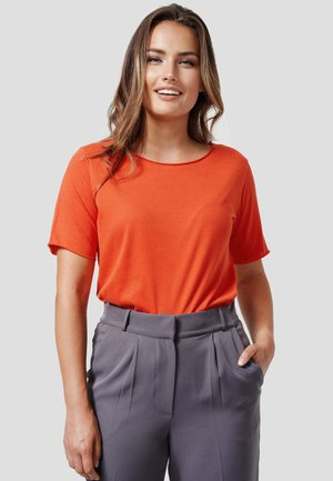 PEGGY - Basic T-shirt - new red
