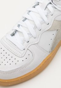 Diadora - MI BASKET WORK PACK UNISEX - Trainers - white - 5