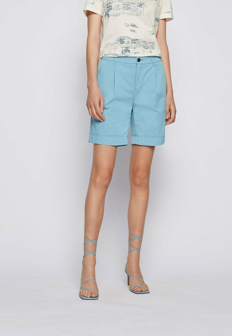 BOSS - TAGGIE - Shorts - light blue