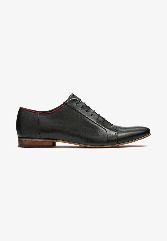 GONZALO - Stringate eleganti - black