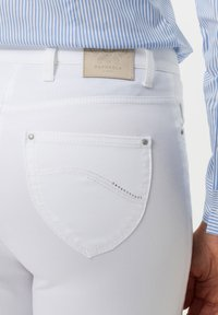 BRAX - STYLE INA - Slim fit jeans - white - 4