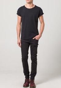 Resteröds - JIMMY - Basic T-shirt - black - 1