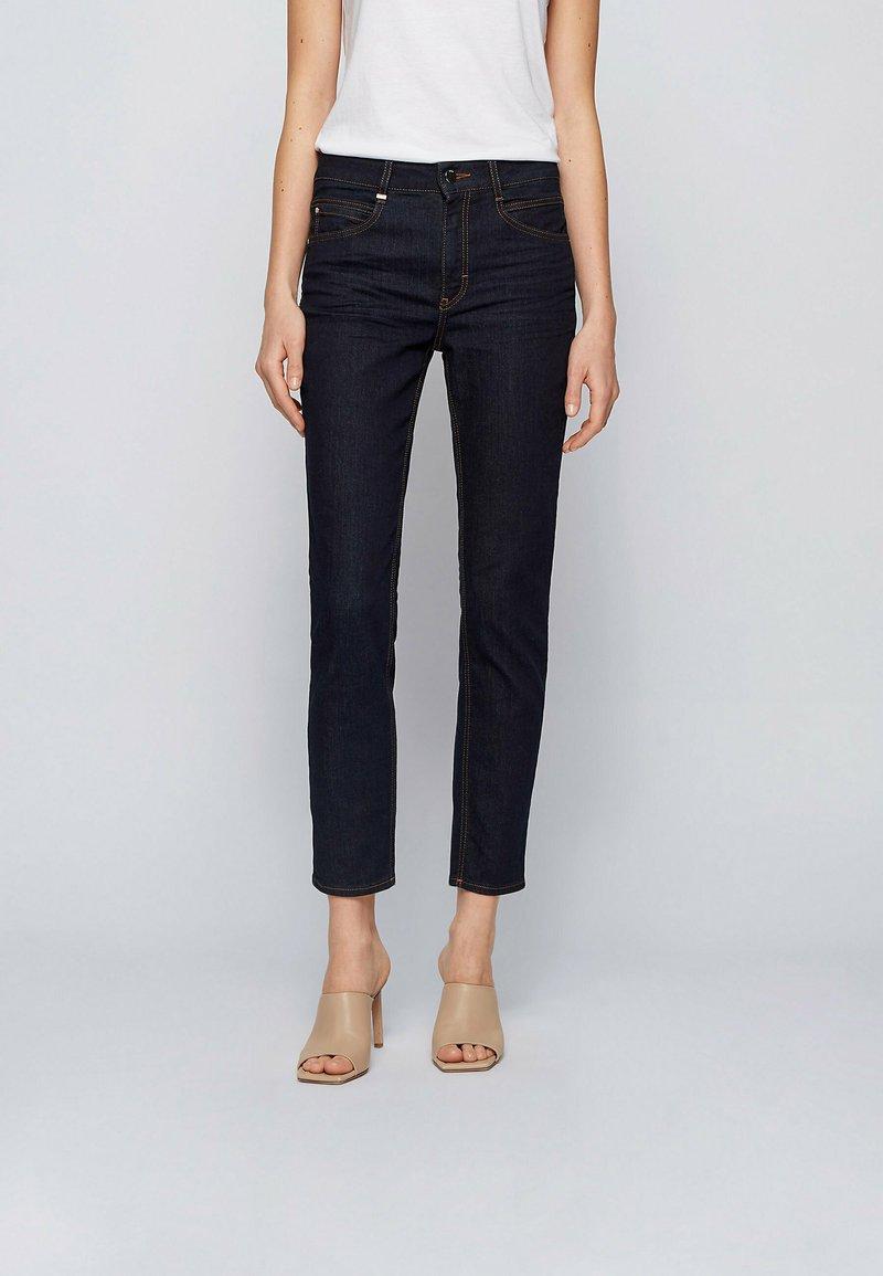BOSS - CROP - Slim fit jeans - dark blue