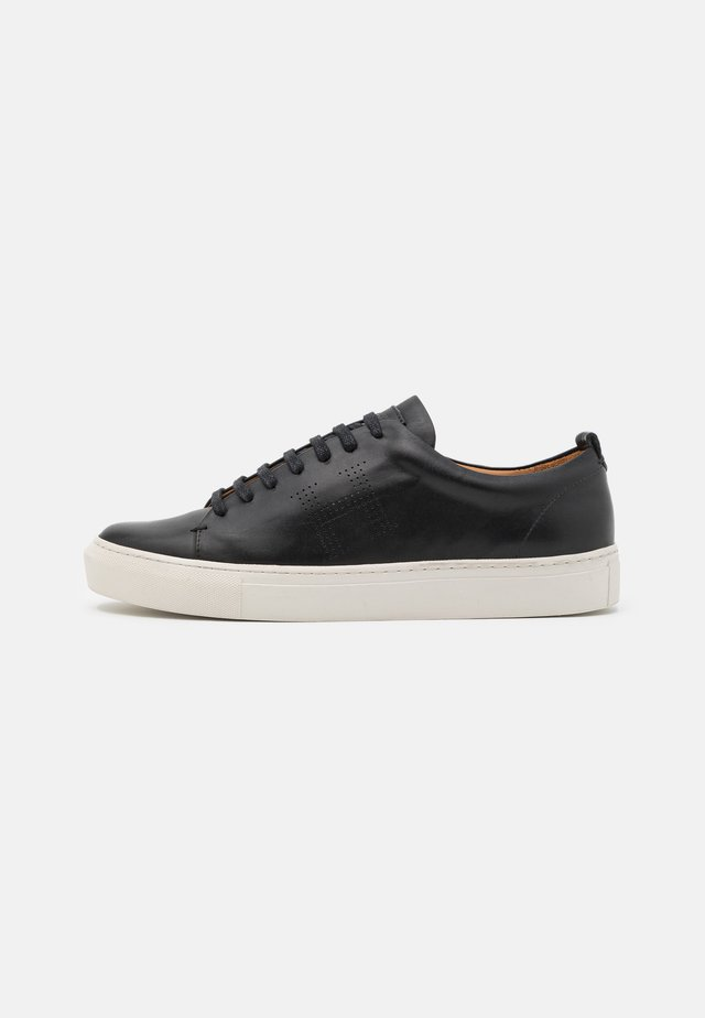 CHARLTON CUPSOLE - Sneaker low - black