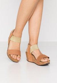 Copenhagen Shoes - DANIELA  - Sandály na platformě - cognac - 0