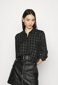 ONLY - ONLANNALIE - Button-down blouse - black/white - 0