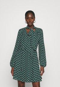 Ted Baker - DOLLEY - Vestido informal - green - 0