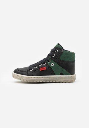 LOWELL - Sneakers hoog - noir/vert