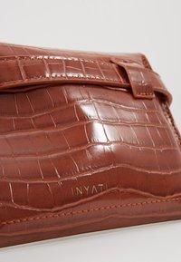 Inyati - IDA - Bum bag - brandy brown croco - 2