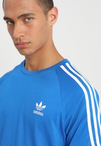 adidas Originals - 3 STRIPES TEE UNISEX - T-shirt imprimé - blubir - 4