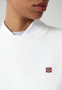 Napapijri - BALIS - Sweatshirt - bright white - 2