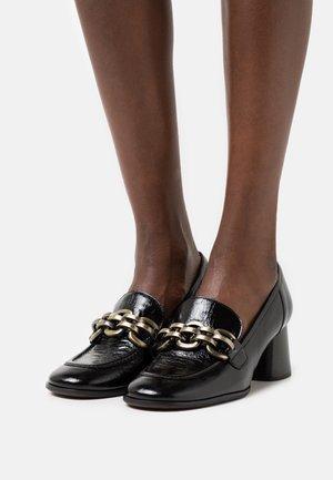 AMANDA - Classic heels - schwarz