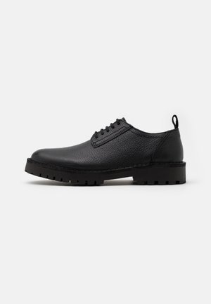 SLHRICKY DERBY SHOE - Stringate - black