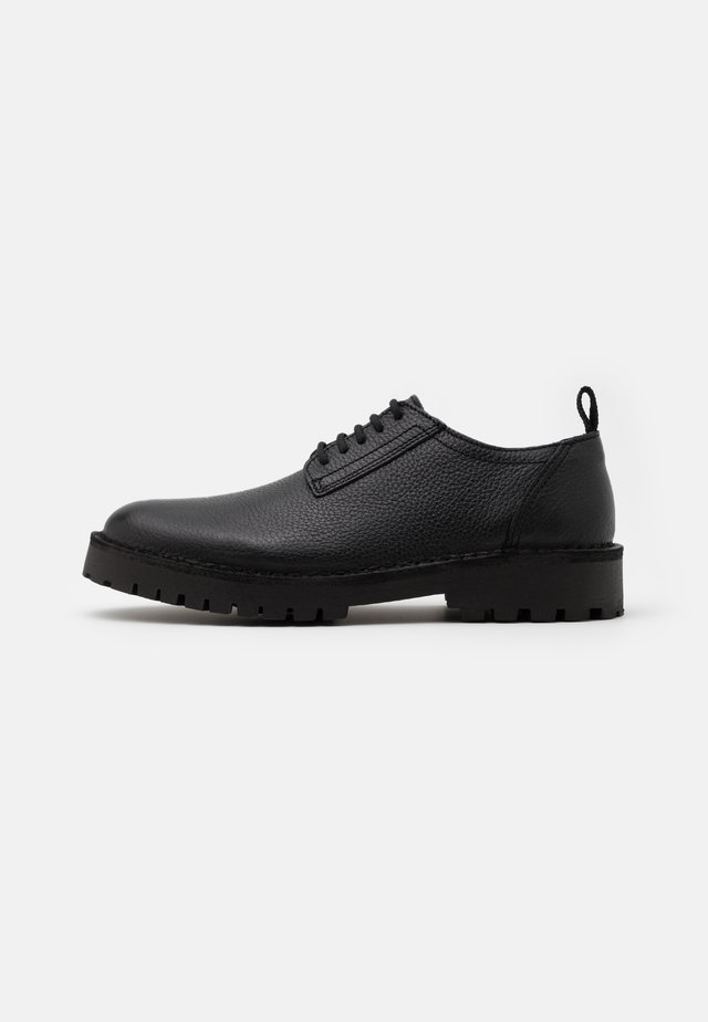 SLHRICKY DERBY SHOE - Zapatos de vestir - black