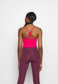 DKNY - SEAMLESS STRAPPY CROP REMOVEABLE CUPS - Top - beetroot - 2