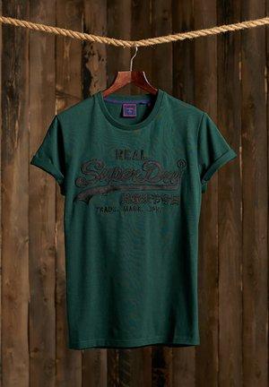 T-shirt print - pine