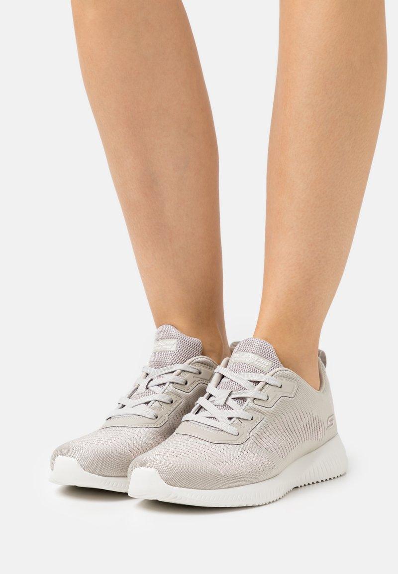 Skechers Sport - BOBS SQUAD - Zapatillas - light gray/pink