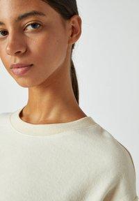 PULL&BEAR - Sweatshirts - white - 3