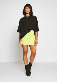 Missguided Petite - DROP SHOULDER OVERSIZED 2 PACK - Basic T-shirt - black/white - 0