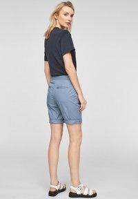 s.Oliver - Shorts - powder blue - 2