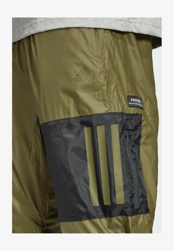 W.N.D. PRIMEBLUE - Pantaloni sportivi - green
