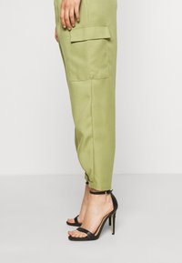 Missguided - BALLOON UTILITY TROUSERS - Trousers - khaki - 3