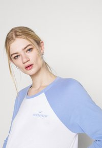 Hollister Co. - PRINT - Long sleeved top - lav luster blue - 3