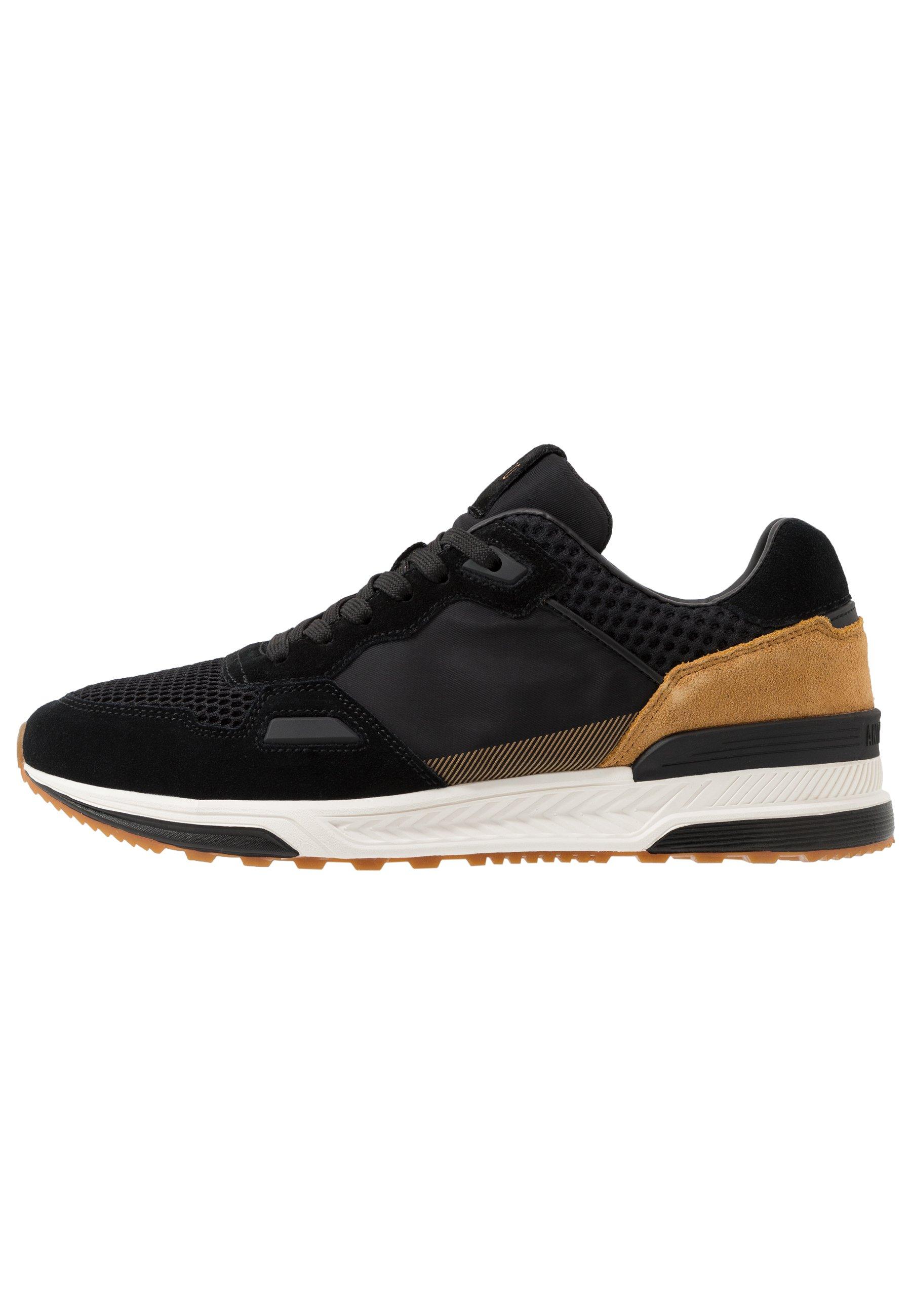 TRECK Sneakers black