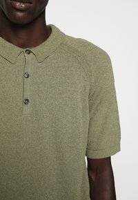 CLOSED - Polo shirt - soft khaki - 8