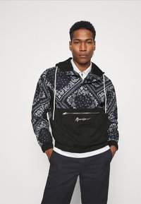 Mennace - BANDANA PRINT OVERHEAD JACKET - Windbreaker - black - 0