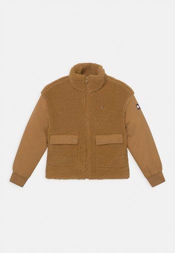 Winter jacket - vintage brass