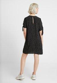 Monki - SELMA DRESS - Denní šaty - black - 3
