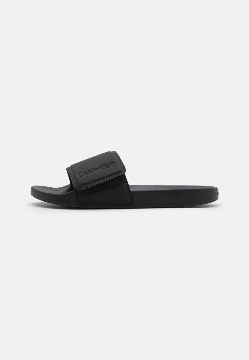 Calvin Klein - SLIDE - Matalakantaiset pistokkaat - black