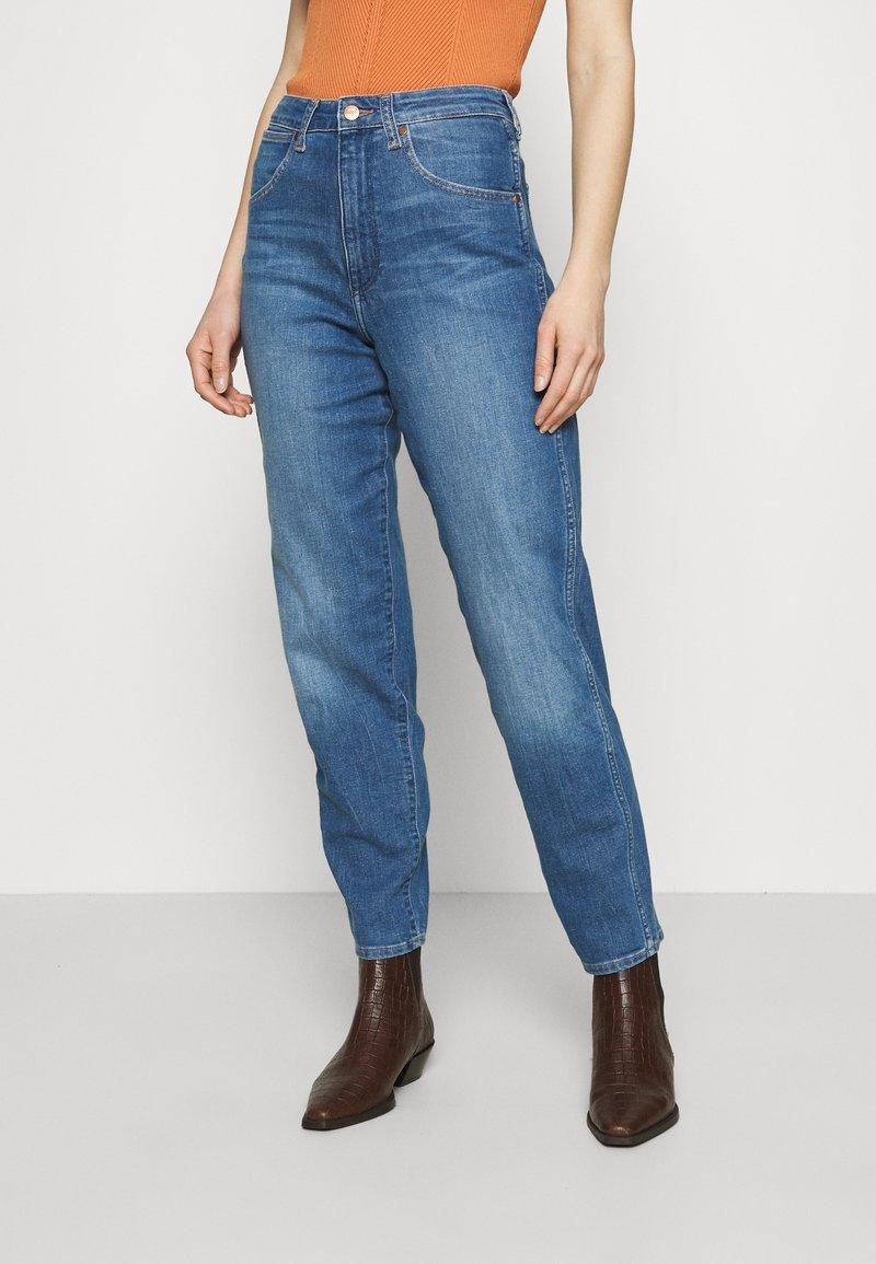 Wrangler - MOM  - Relaxed fit jeans - summer haze