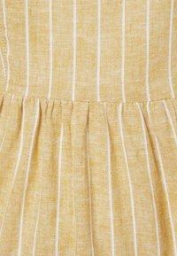 ONLY Petite - ONLVIVIAN-CANYON LONG LIFE DRESS - Kjole - golden spice/cloud dancer - 2