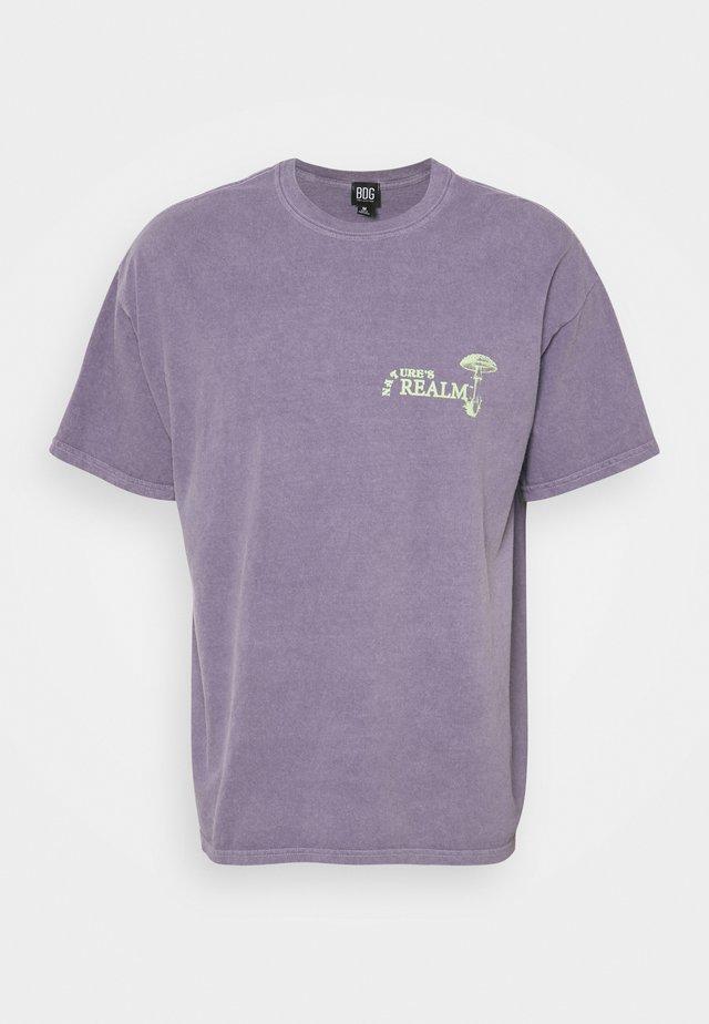 NATURE'S REALM TEE UNISEX - T-shirt imprimé - purple