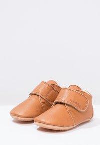 Froddo - NATUREE CLASSIC MEDIUM FIT - First shoes - hellbraun - 2