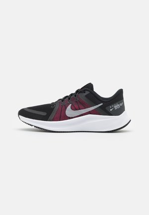 QUEST 4 - Neutral running shoes - black/white/hyper pink/dark smoke grey