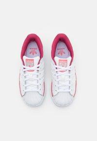 adidas Originals - SUPERSTAR UNISEX - Joggesko - footwear white/hazy rose - 3