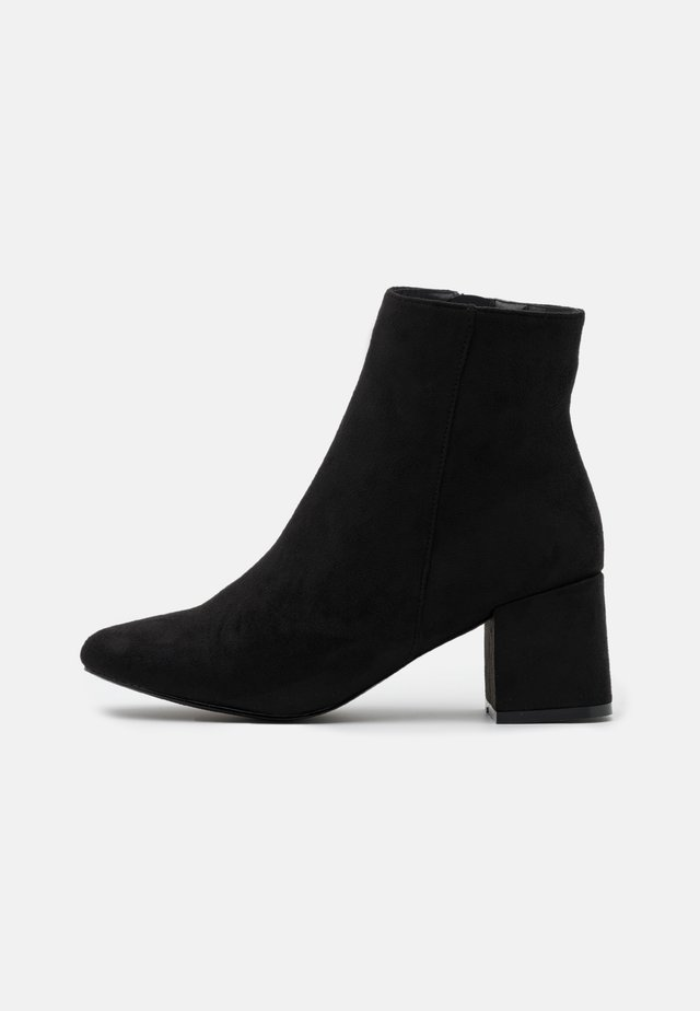 BYRON ROUND TOE MID BLOCK - Ankle boot - black